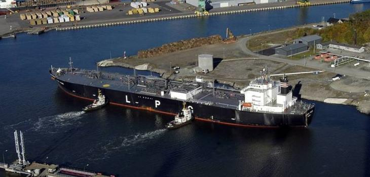 LPG-tanker berthing at Oxhaga terminal in Port of Karlshamn